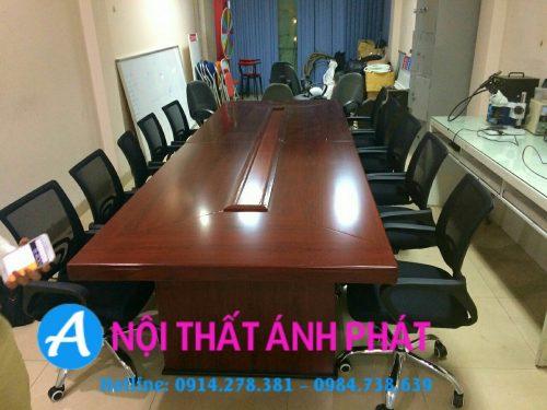 Thanh lý bàn ghế văn phòng tại Hà Nội– Bàn họp sang trọng
