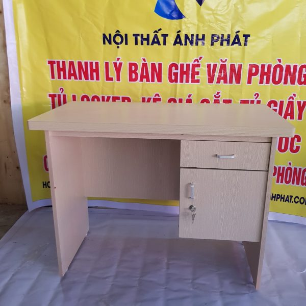THANH-LY-BAN-LAM-VIEC-GIA-RE