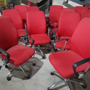 Thanh lý ghế xoay nỉ đỏ nhập khẩu mới 90%