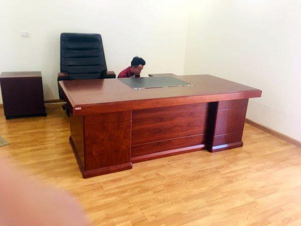 bàn giám đốc gỗ tự nhiên