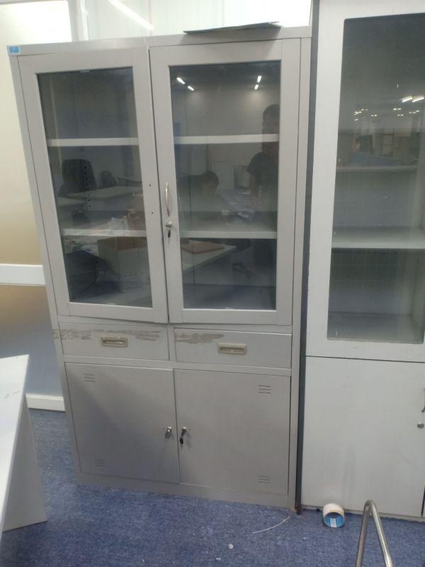 tủ hồ sơ sắt 2 cánh kính thanh lý2