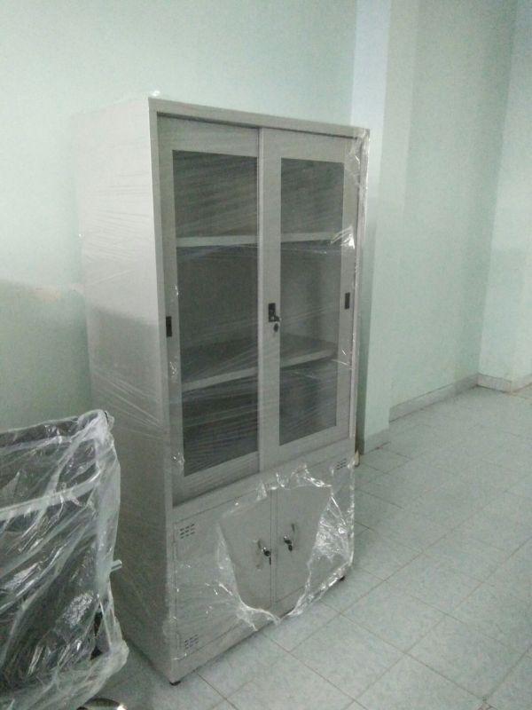 tủ hồ sơ sắt 2 cánh kính thanh lý3