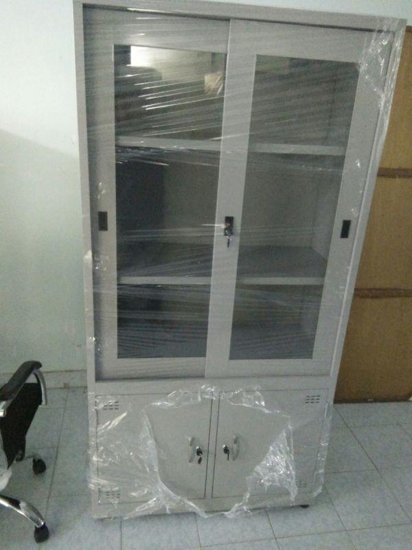 tủ hồ sơ sắt 2 cánh kính thanh lý1