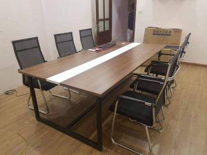 Lựa chọn bàn họp văn phòng hiện đại có khó lắm không?