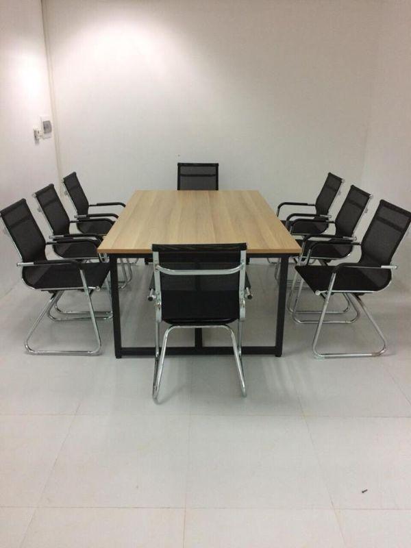 chọn bàn họp công ty3