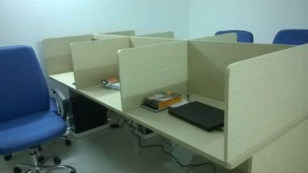 Bàn ghế văn phòng giá rẻ 1