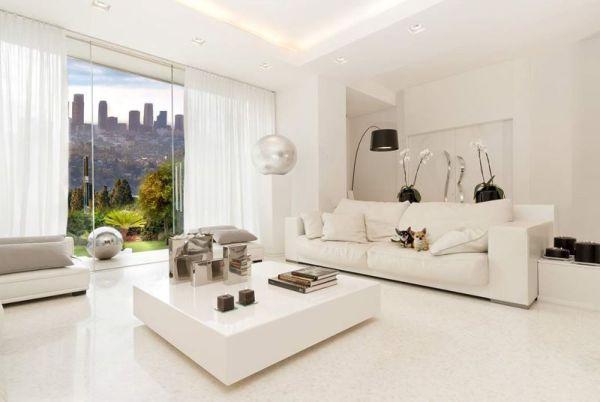 tường màu trắng chọn sofa màu gì
