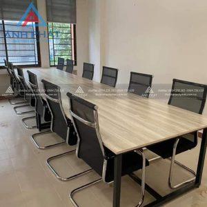 Tìm mẫu bàn ghế phòng họp đẹp giá cả phải chăng