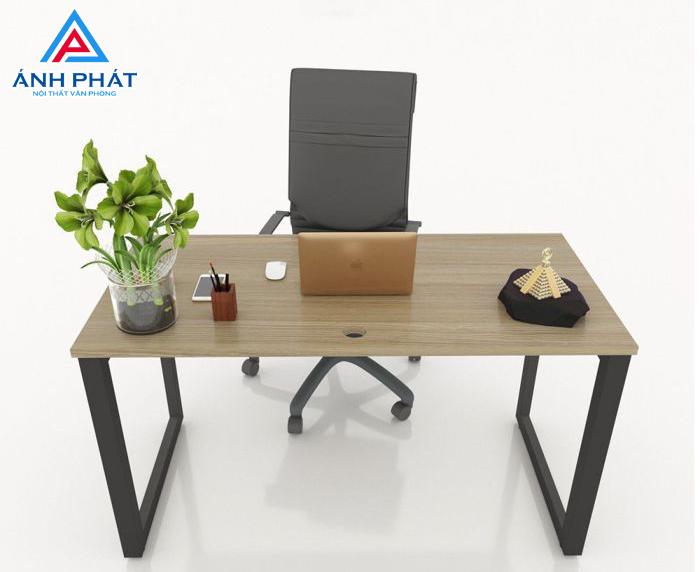 Tư vấn chọn kiểu dáng khi mua bàn nghế văn phòng cũ phù hợp