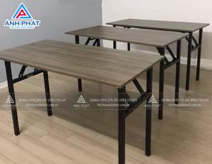 Lý do khiến bàn làm việc chân sắt mặt gỗ giá rẻ bán chạy tại Ánh Phát