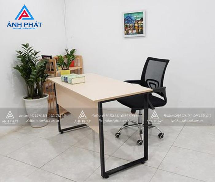 Mua bàn ghế văn phòng cũ nên mua mẫu ghế nào tốt cho sức khỏe ?